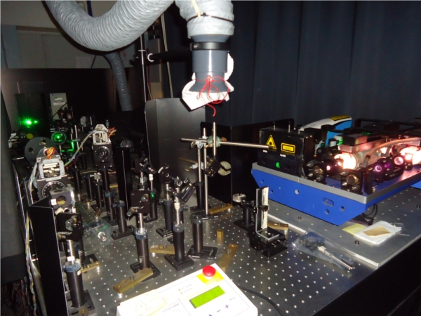 optical bench with instruments for non linear spectroscopy