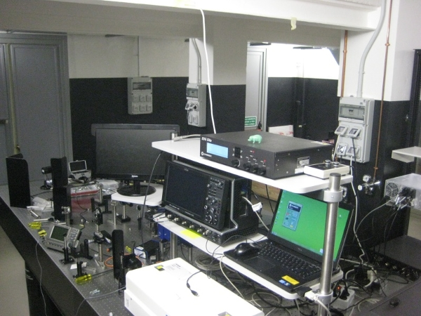 laboratory equipped for 2D laser ultra-fast coherent spectroscopy